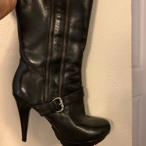 High leather Guess boots Excellent condition